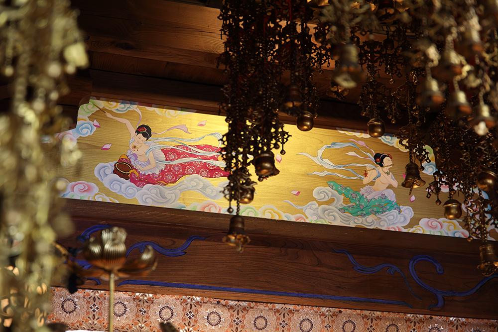 須弥壇壁画『飛天双図』