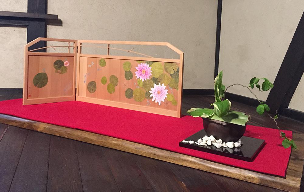 睡蓮(板枕屛風)